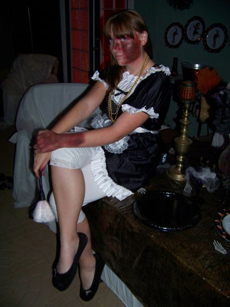 halloween-maid-costume