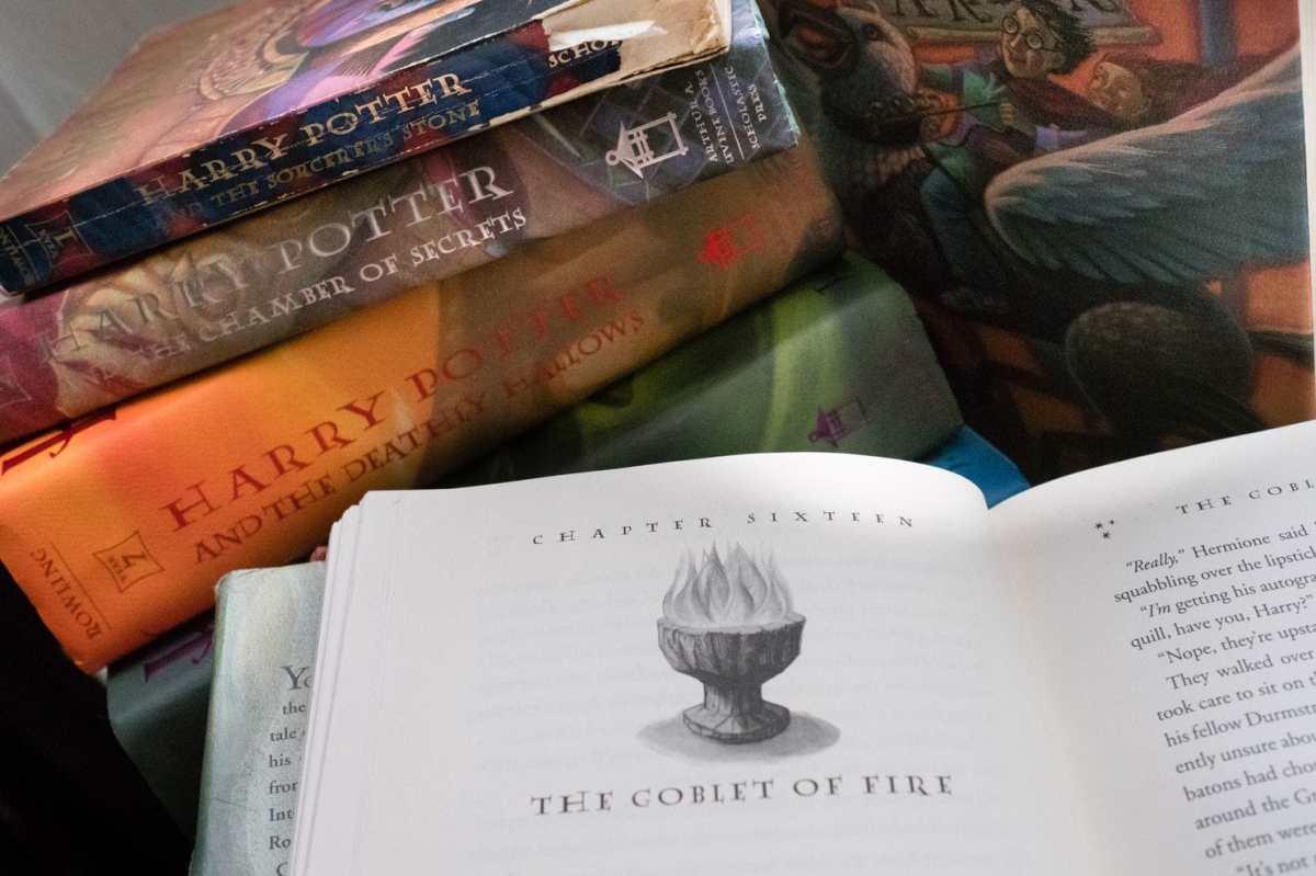 hp-books-goblet.jpg