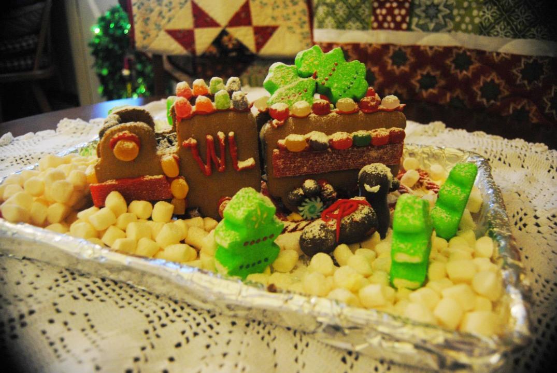 motoe-gingerbread.jpg
