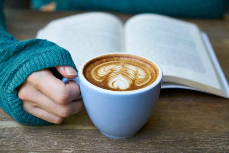 reading-coffee